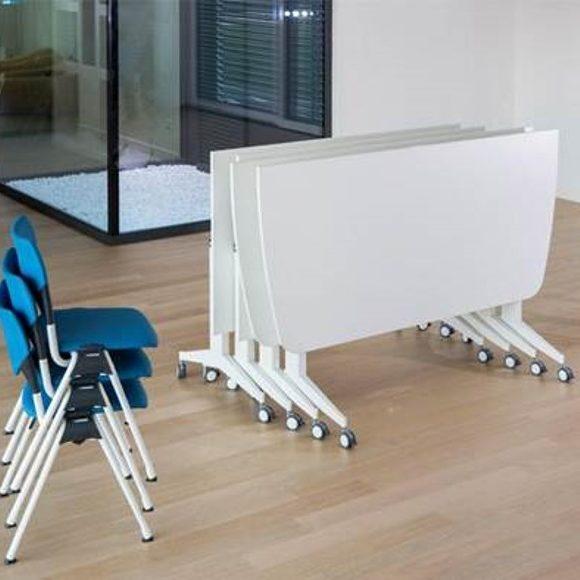 רהיטים מתקפלים